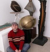 Sculptorul care a devenit chirurg pe pietre, lemn și bronz